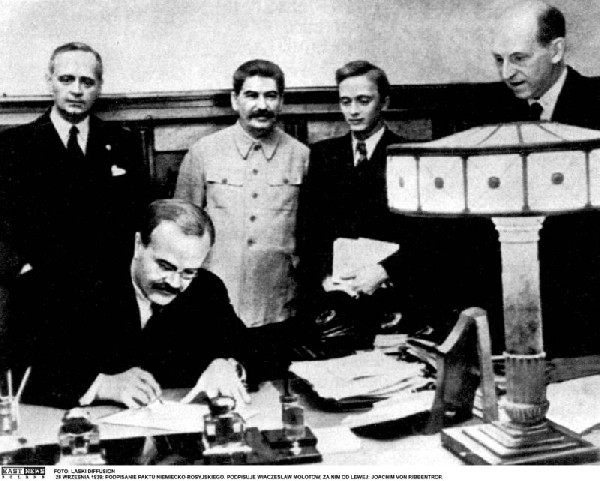 Pakt_RibbentropMolotow_3506902